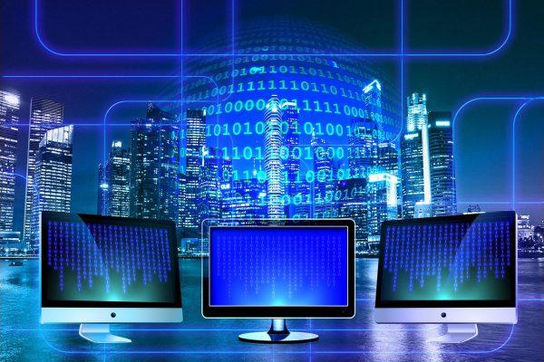 Internetten en tv kijken, via welke weg doe jij dat?